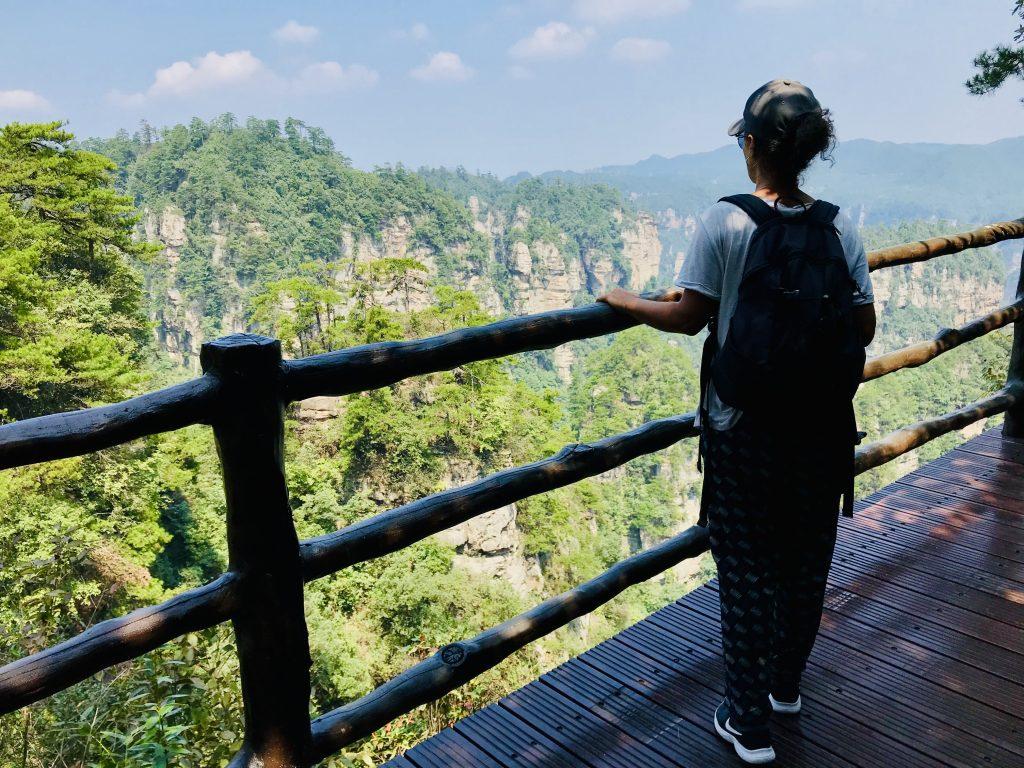 Panoramica del parco da uno dei belvedere di Zhangjiajie, una delle tappe del nostro itinerario in Cina di 12 giorni