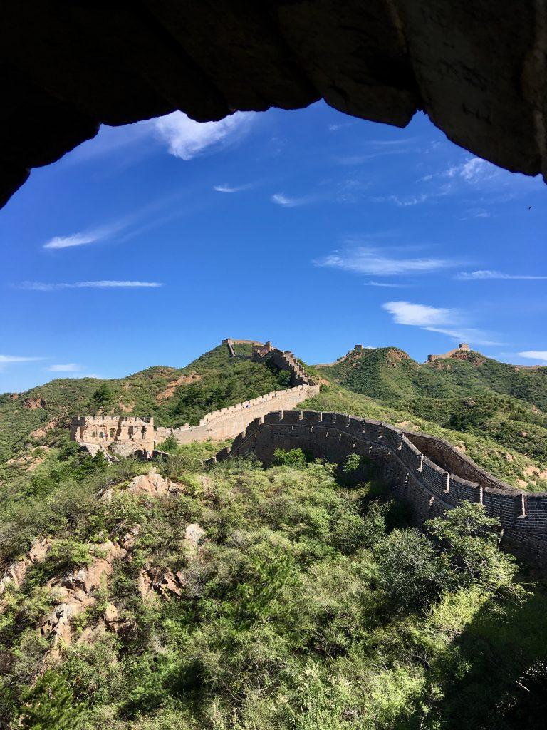 Vista della muraglia di Jinshaling da una delle tante torrette, inserita nel nostro itinerario di 12 giorni in Cina