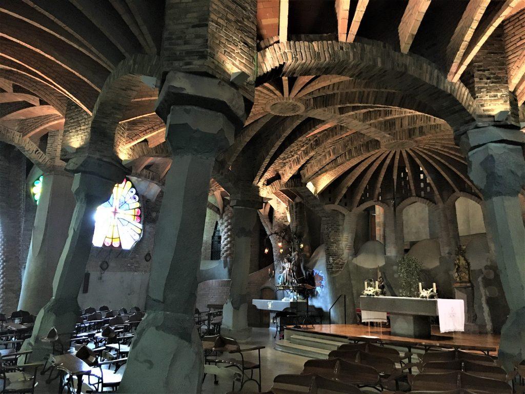 Cripta Gaudì , uno dei 7 luoghi insoliti di Barcellona