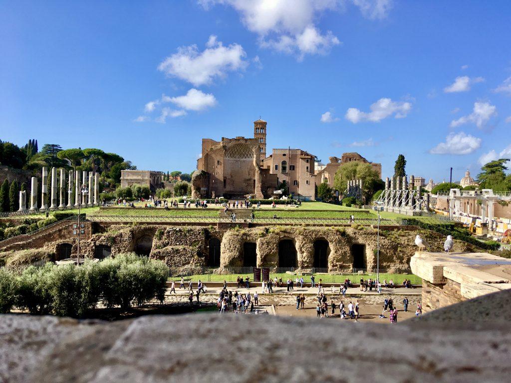 Foro romano, Roma  5 luoghi extra